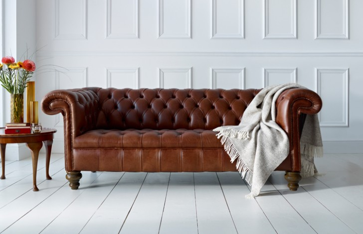 Vintage Chesterfield Leather Sofa Hereo