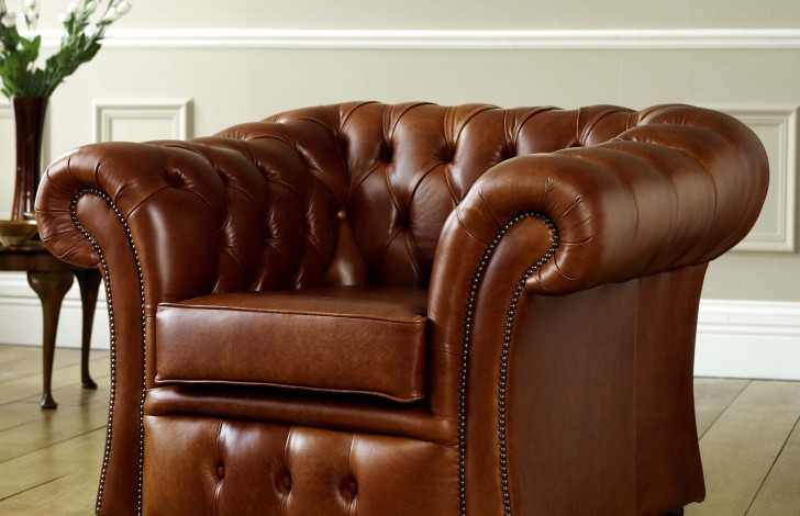 Gladbury Traditional Leather Chair
