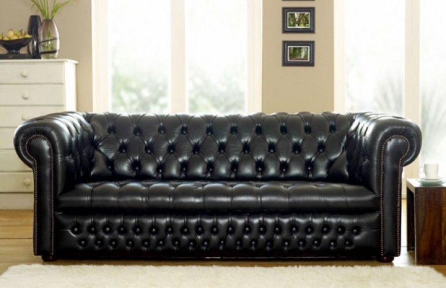 Ludlow Chesterfield Sofa - 2 Seater + Chair - Red