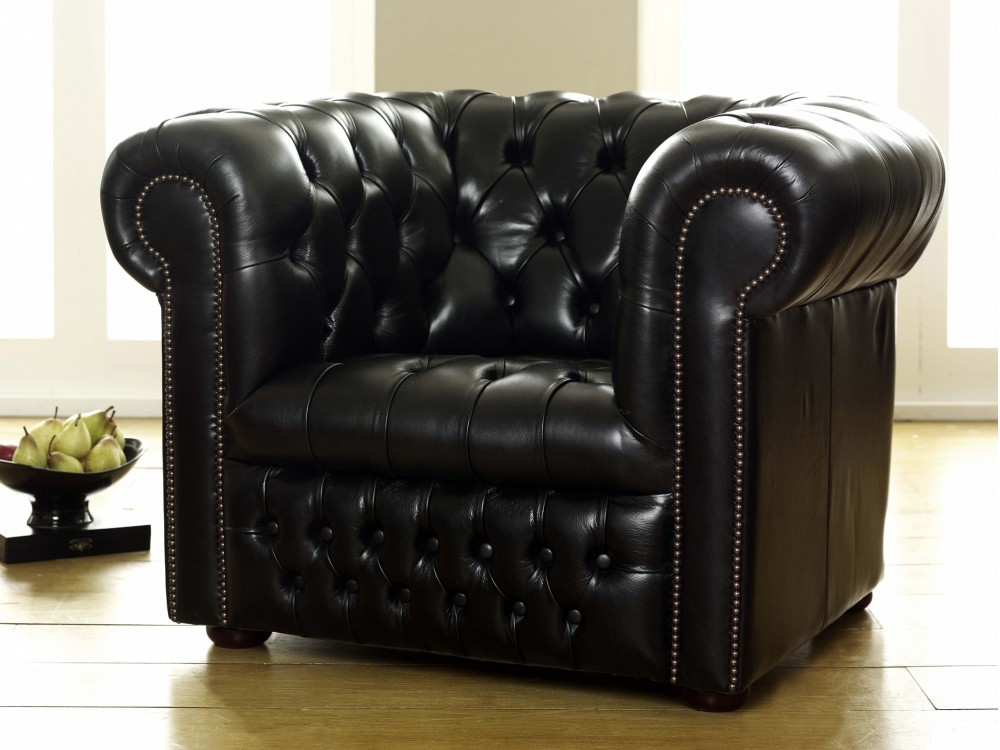 Ludlow Black Leather Chesterfield Sofa | Leather Armchairs