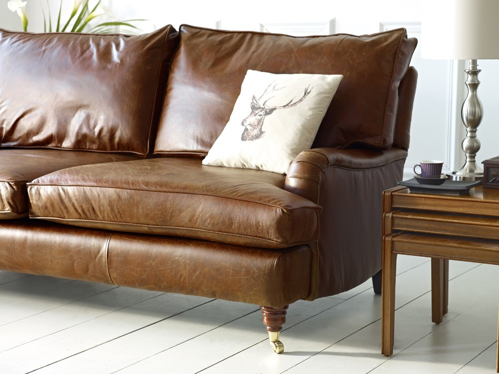 downton vintage leather sofa the chesterfield company. Black Bedroom Furniture Sets. Home Design Ideas