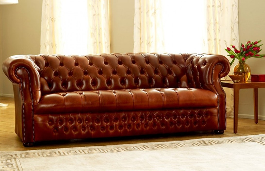 richmount deep buttoned sofa the chesterfield company. Black Bedroom Furniture Sets. Home Design Ideas