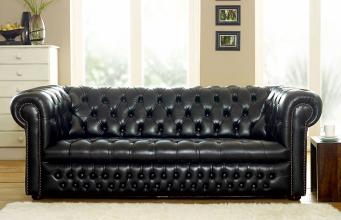 ludlow compact chesterfield sofa the chesterfield company. Black Bedroom Furniture Sets. Home Design Ideas